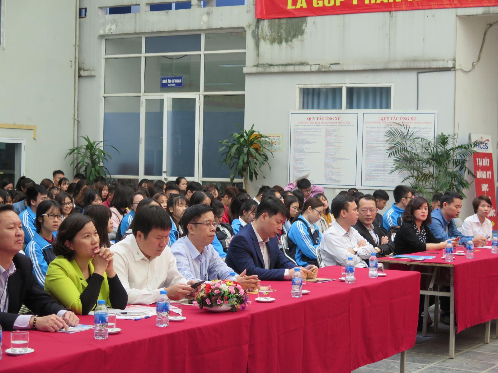 """Học viện Phụ nữ Việt Nam phối hợp tổ chức """"Phiên giao dịch việc làm chuyên đề việc làm bán thời gian"""""""