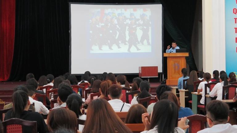 Tuần sinh hoạt công dân – sinh viên năm học 2016 - 2017