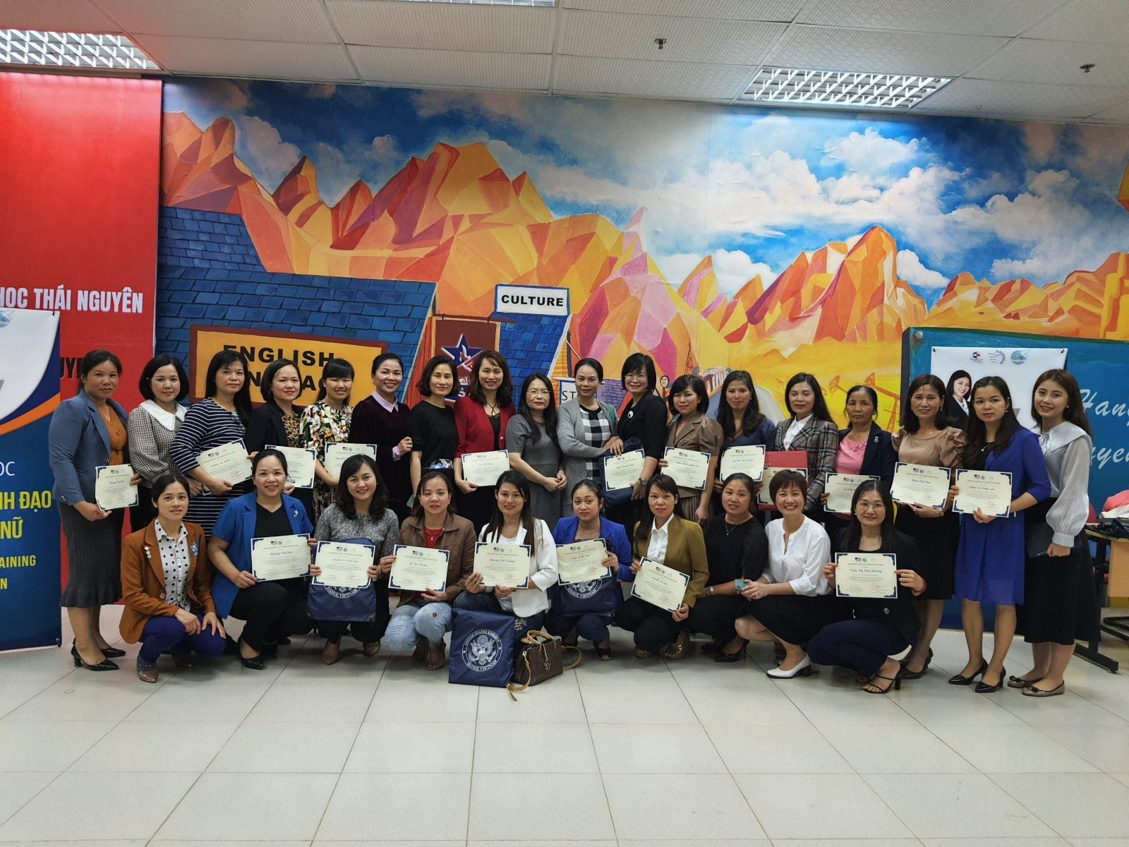 Khóa học bồi dưỡng Kỹ năng lãnh đạo cho phụ nữ tỉnh Thái Nguyên