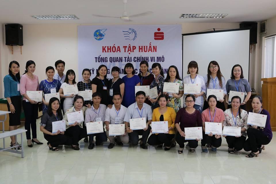 Khóa tập huấn Tổng quan về Tài chính vi mô và Kỹ năng chăm sóc khách hàng