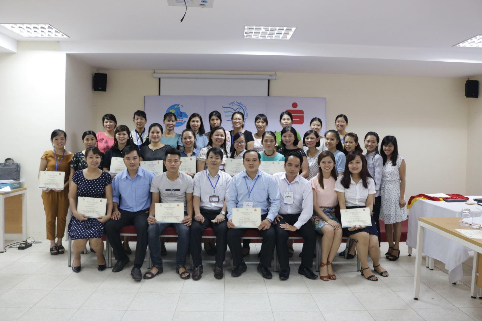 Học viện Phụ nữ Việt Nam  tổ chức khóa tập huấn Quản trị rủi ro trong Tài chính vi mô