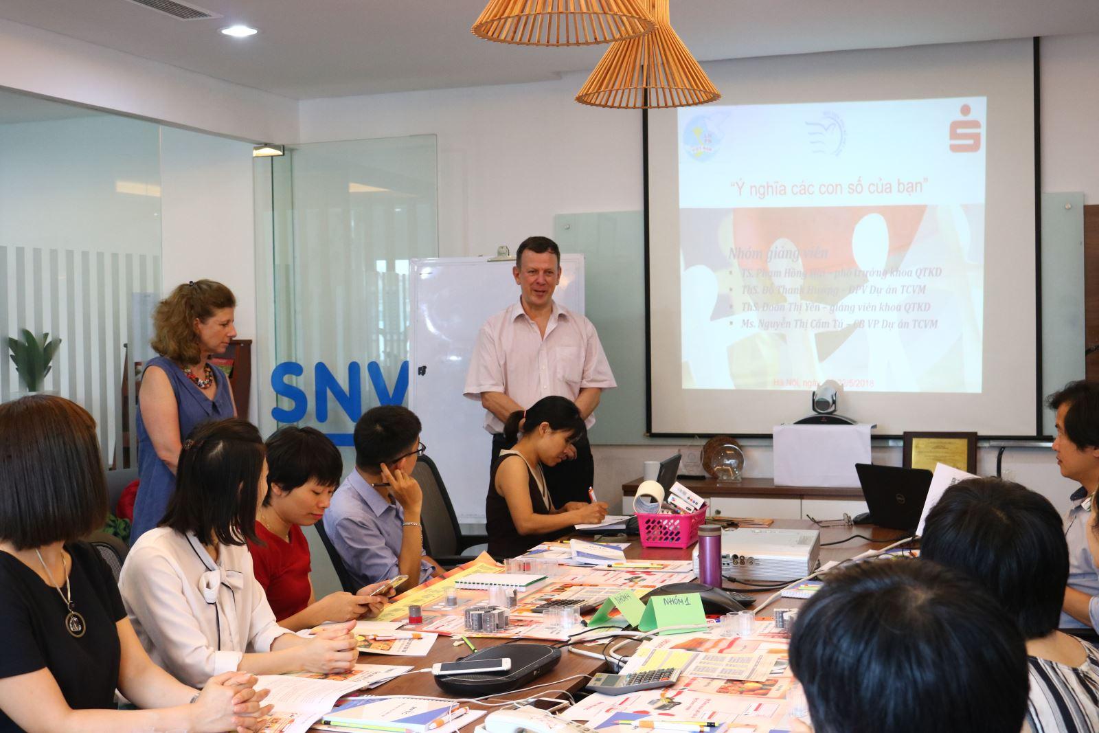 Học viện Phụ nữ Việt Nam tổ chức khóa tập huấn Trò chơi kinh doanh nhỏ
