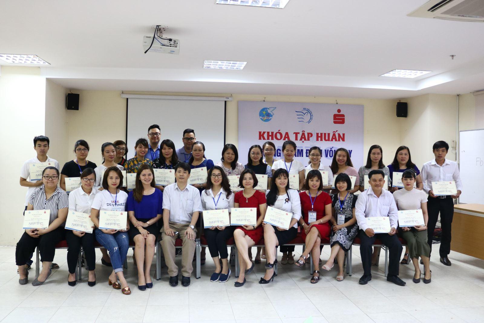 Học viện Phụ nữ Việt Nam tổ chức khóa tập huấn Kỹ năng Thẩm định vốn vay  cho cán bộ Dự án Tài chính vi mô