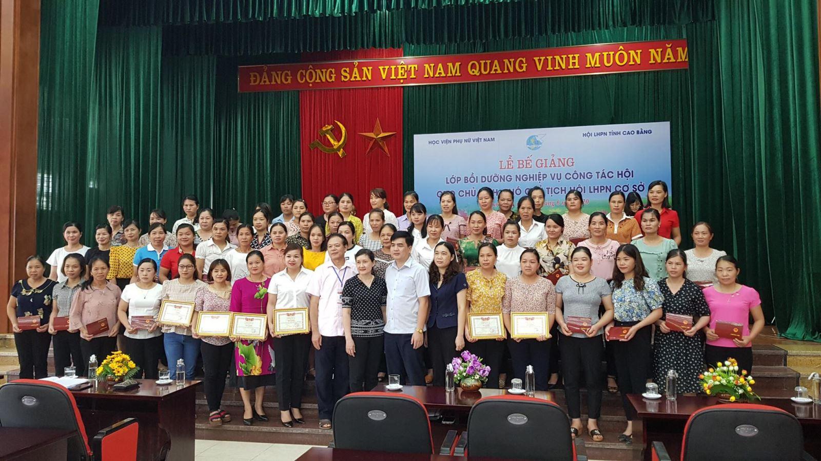 """Lễ bế giảng lớp """"Bồi dưỡng Nghiệp vụ công tác Hội"""" tại Cao Bằng"""