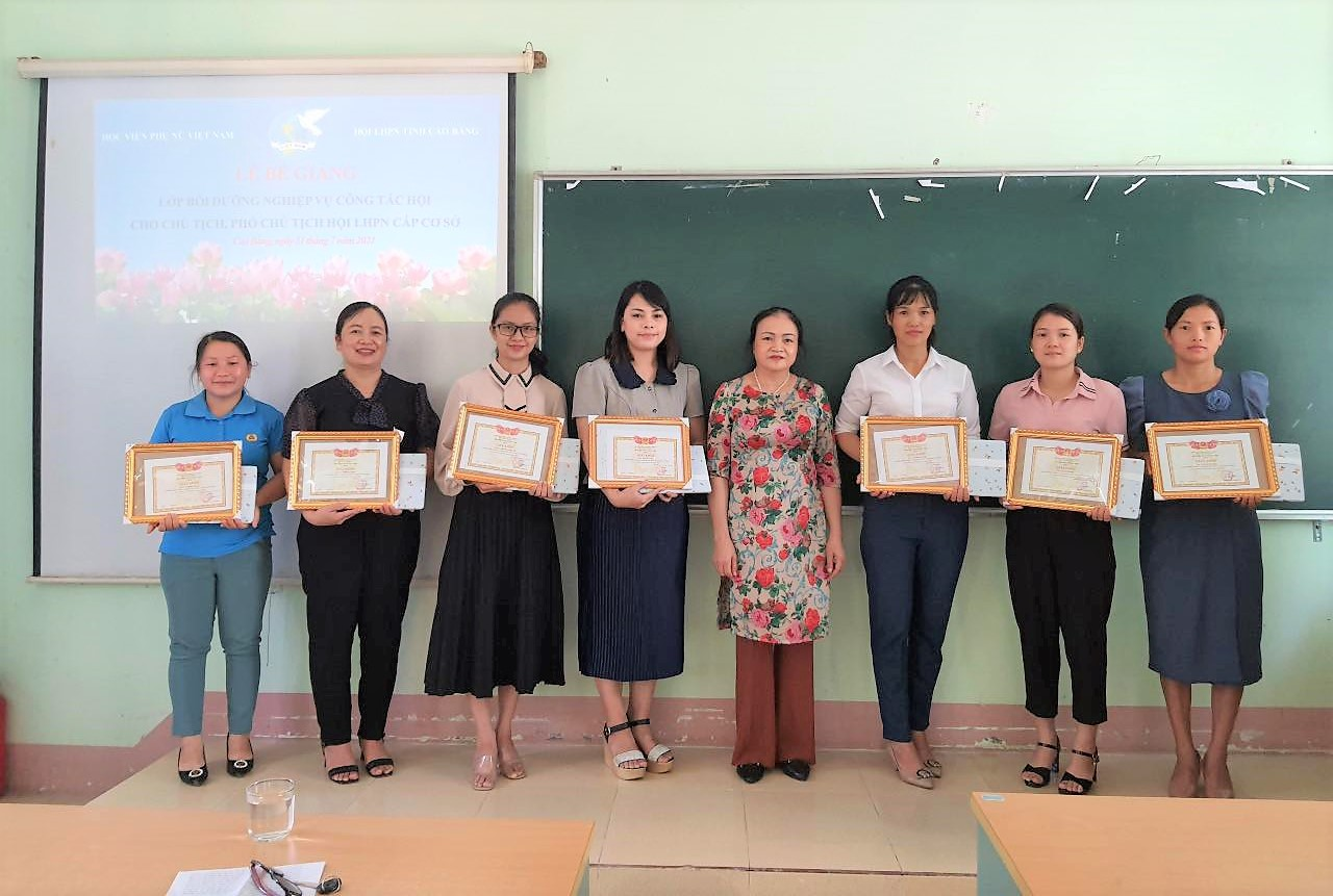 """Bế giảng lớp """"Bồi dưỡng nghiệp vụ công tác Hội"""" tại tỉnh Cao Bằng"""