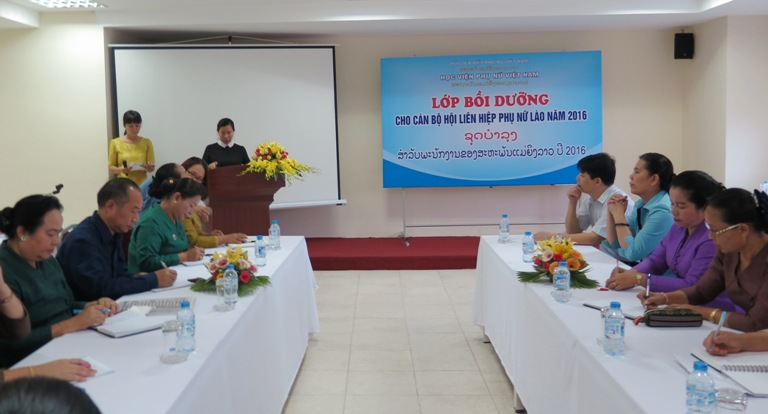 Khai giảng lớp bồi dưỡng cán bộ Hội LHPN Lào năm 2016