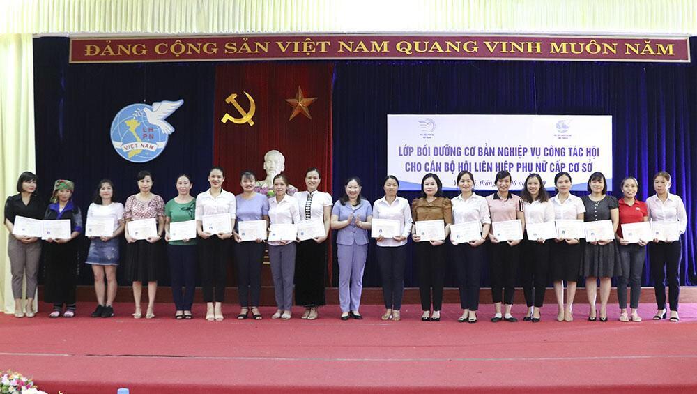 Lễ bế giảng lớp Bồi dưỡng nghiệp vụ công tác Hội tại   tại tỉnh Yên Bái