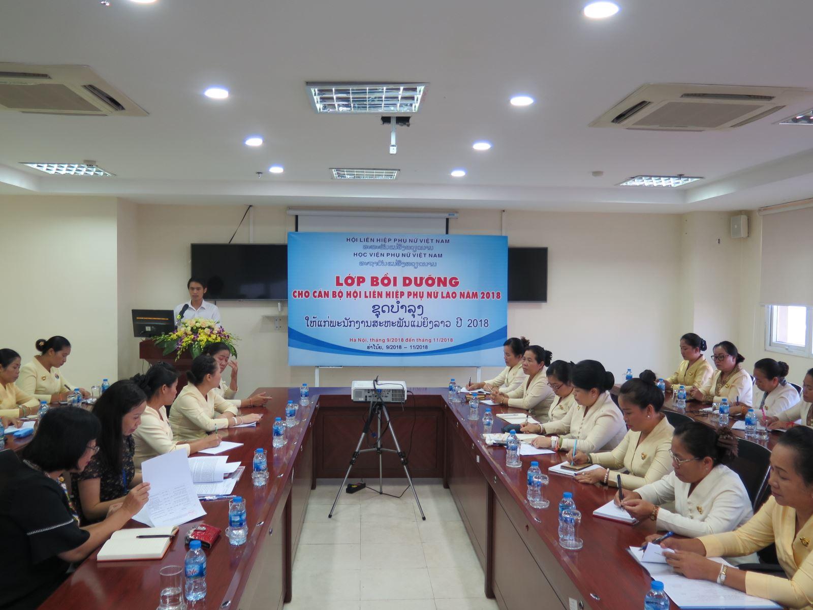 Khai giảng Lớp bồi dưỡng cán bộ Hội LHPN Lào năm 2018