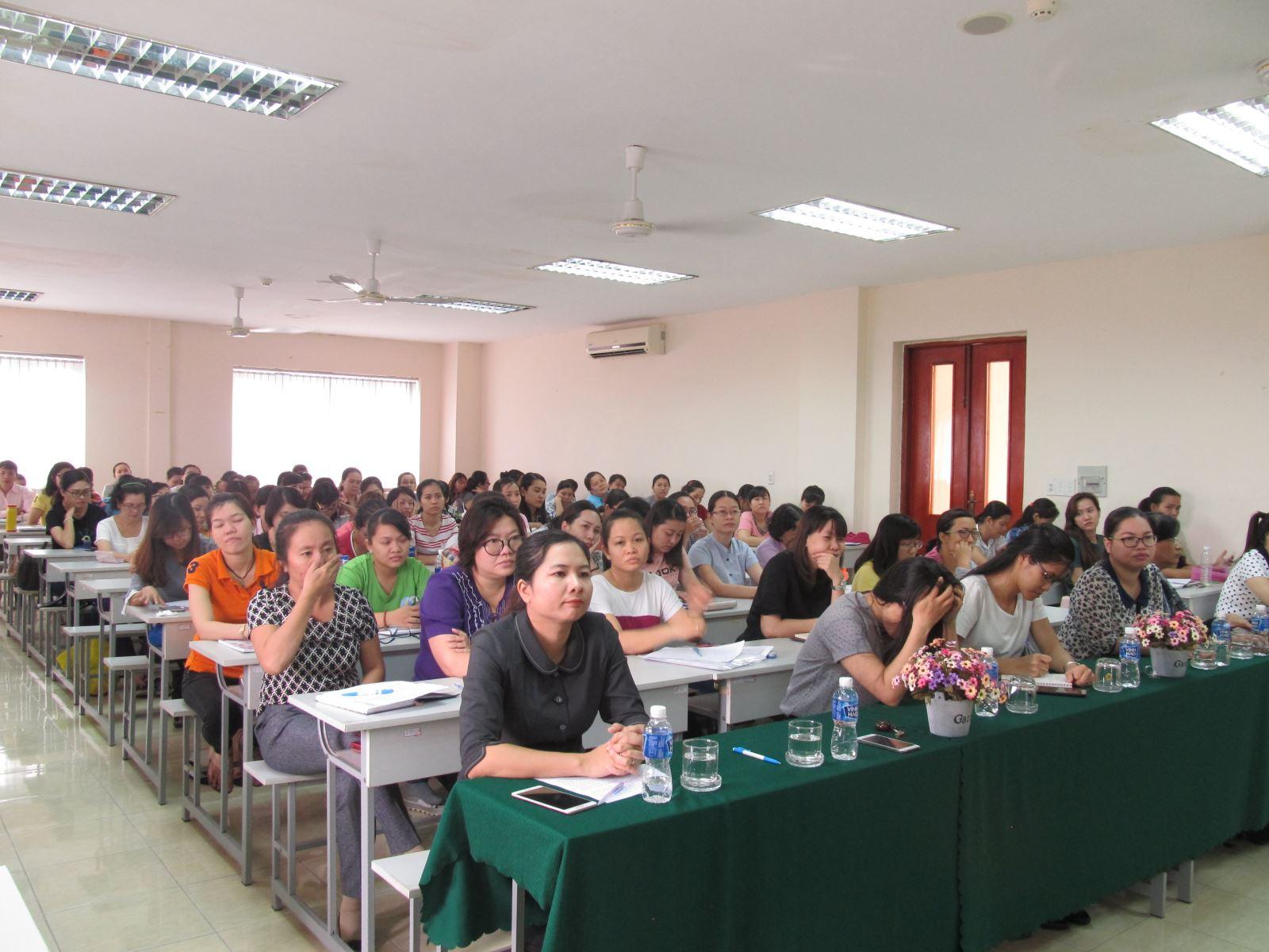 Khai giảng lớp bồi dưỡng nghiệp vụ công tác phụ nữ hệ sơ cấp năm 2017