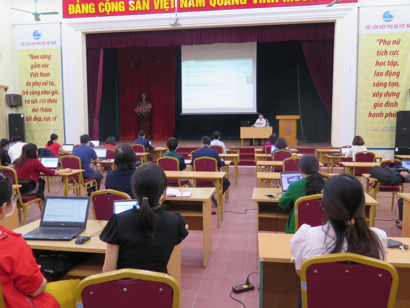 Hội nghị Tập huấn hệ thống quản lý học tập trực tuyến (LMS)