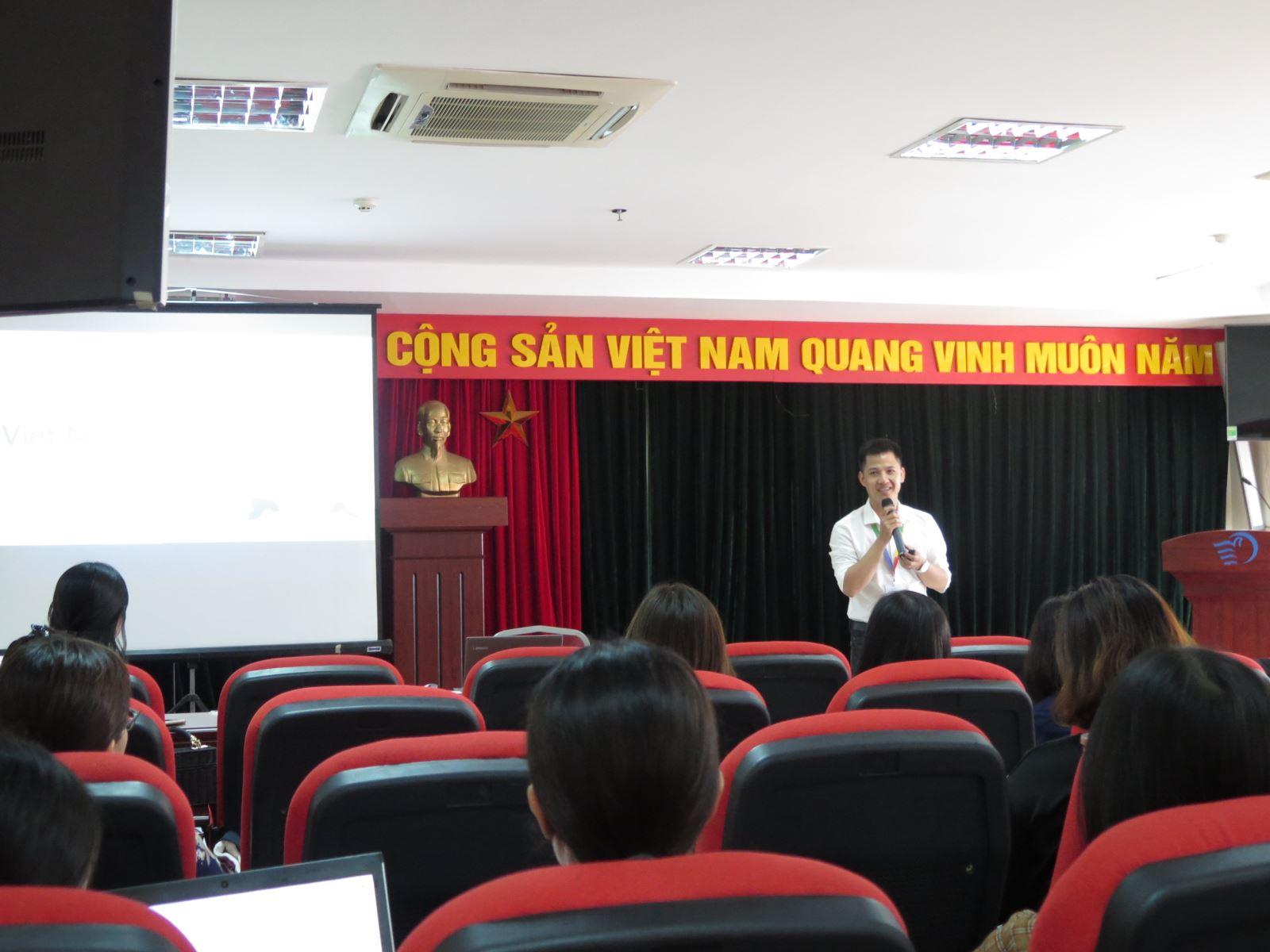 Tập huấn cách sử dụng công cụ Google và ứng dụng trong công việc