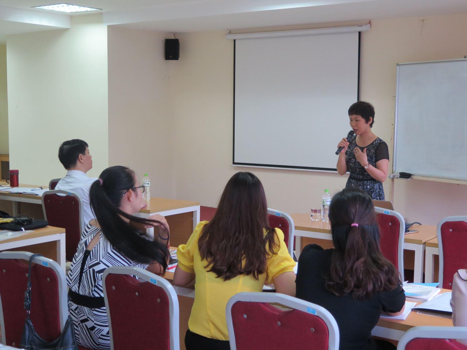 Học viện Phụ nữ Việt Nam tổ chức tập huấn lập hồ sơ công việc và nộp lưu trữ