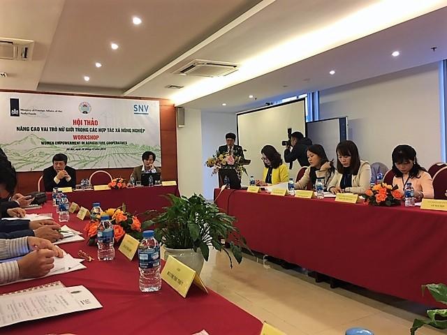 """Hội thảo: """"Nâng cao vai trò của nữ giới trong HTX Nông nghiệp"""""""