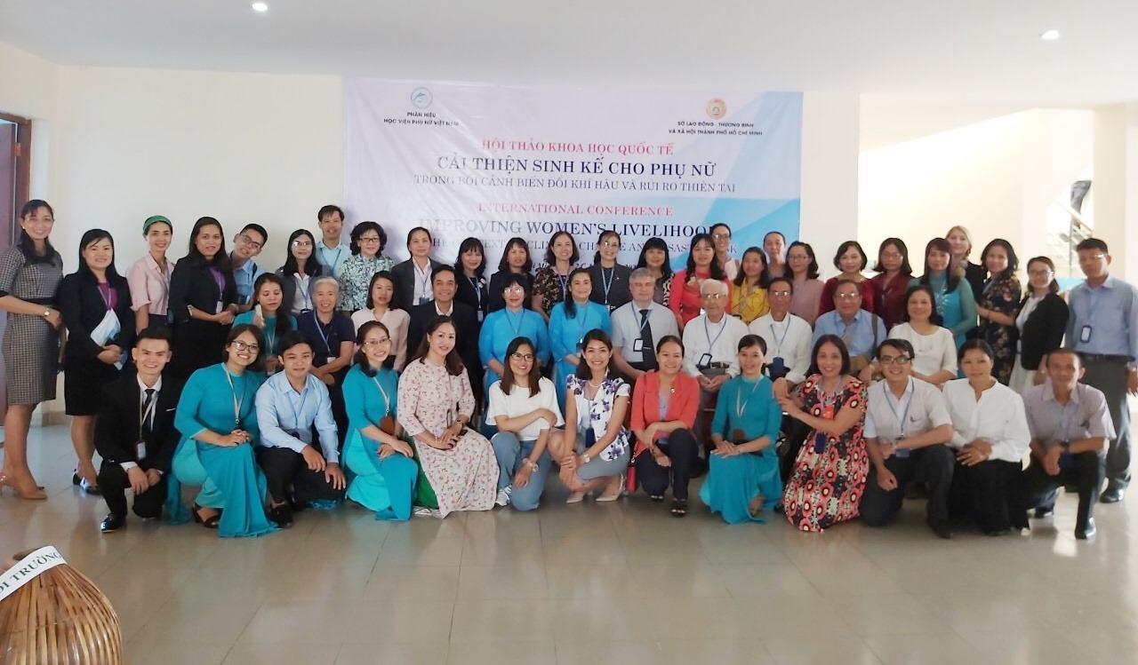 """Hội thảo khoa học quốc tế: """"Cải thiện sinh kế cho phụ nữ trong bối cảnh biến đổi khí hậu và rủi ro thiên tai"""""""