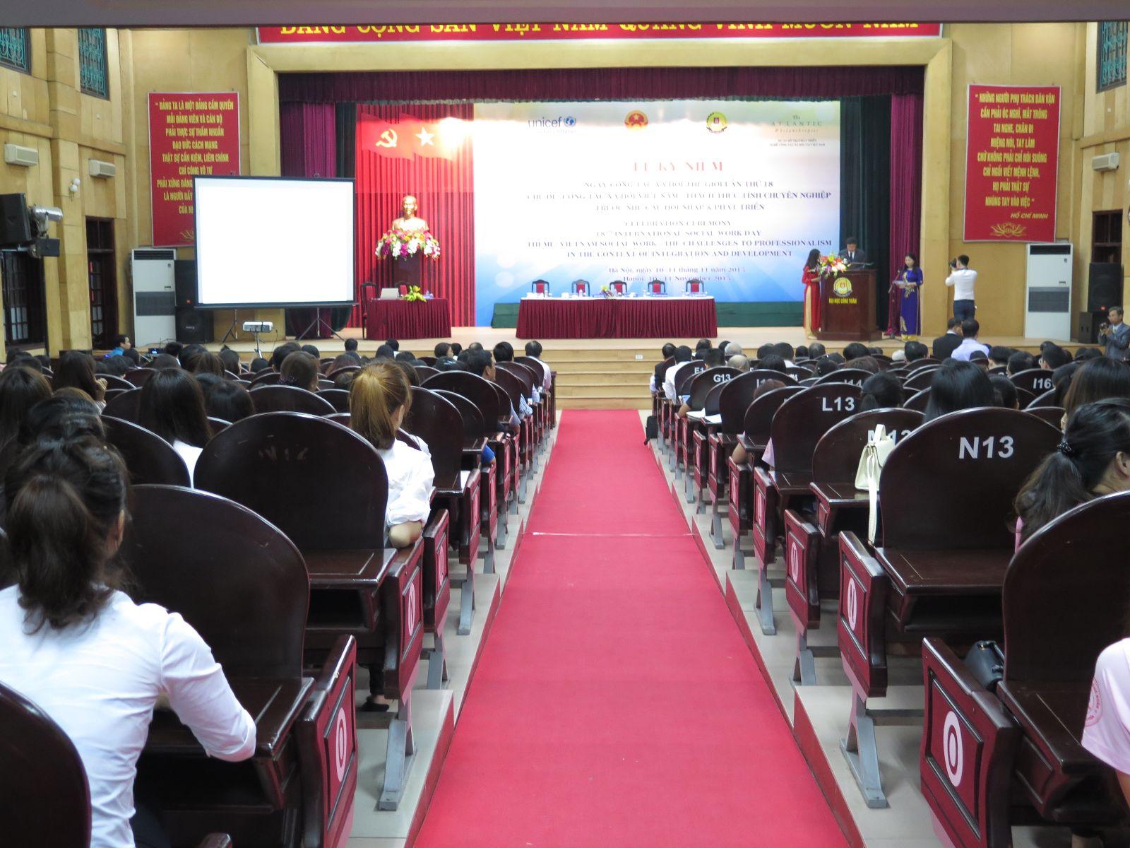 Học viện Phụ nữ Việt Nam tham dự hội thảo  kỉ niệm ngày Công tác xã hội thế giới lần thứ 18