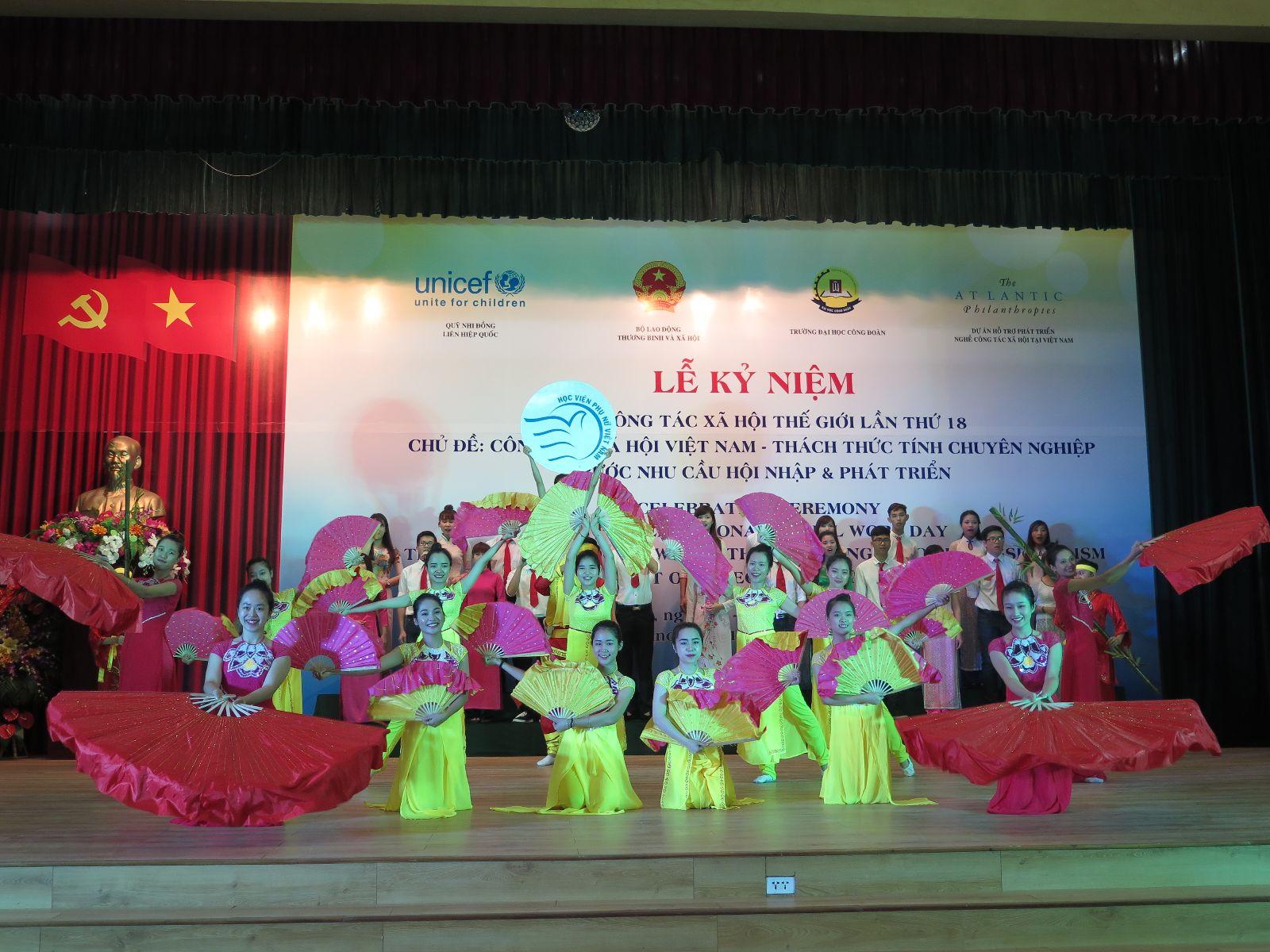 Công tác tổ chức và nội dung Chương trình kỉ niệm ngày Công tác xã hội Thế giới lần thứ 19 tại Học viện Phụ nữ Việt Nam