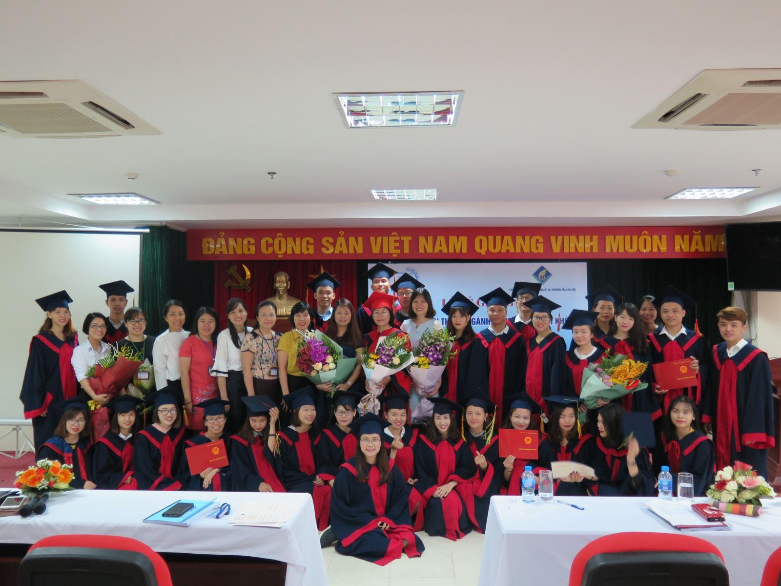 Lễ bế giảng lớp liên thông Cao đẳng – đại học chính quy ngành Công tác xã hội khóa học 2016 – 2018