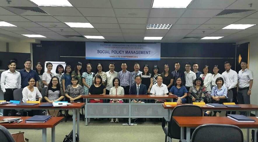 """Giảng viên Học viện Phụ nữ Việt Nam tham gia khóa học """"Quản lý chính sách xã hội"""""""