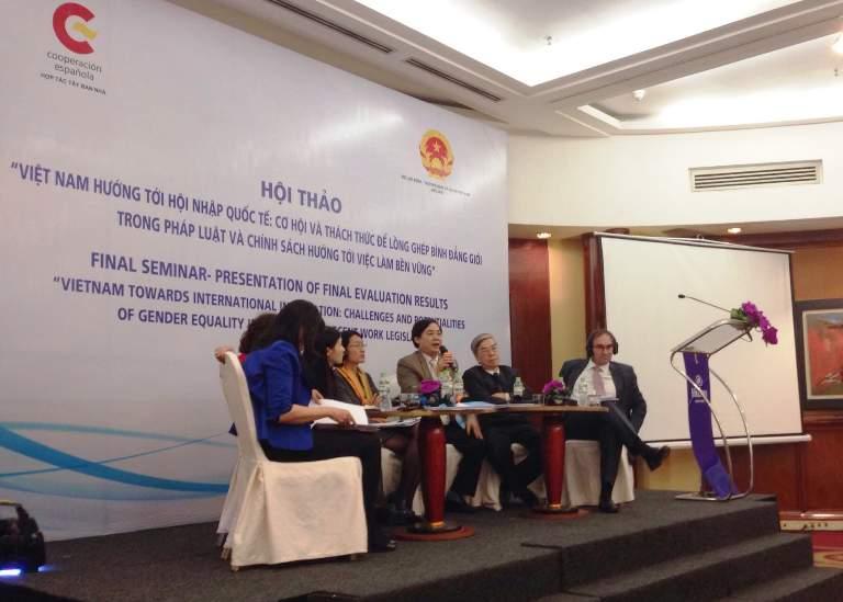 Cơ hội và thách thức để lồng ghép bình đẳng giới trong pháp luật và chính sách tại Việt Nam