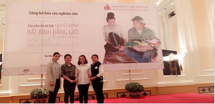 """Sinh viên ngành Giới và Phát triển tham gia Hội nghị báo cáo kết quả nghiên cứu """"Các yếu tố xã hội quyết định bất bình đẳng giới ở Việt Nam"""""""