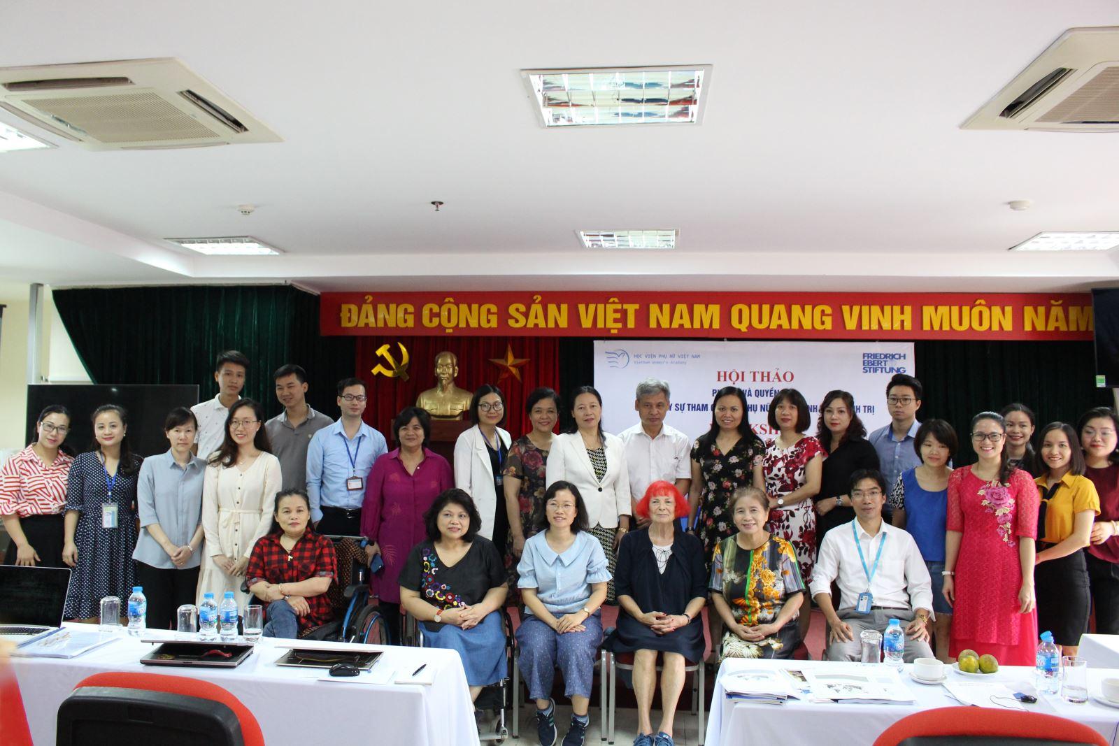 """Hội thảo  """" Phụ nữ và quyền lực: Thúc đẩy sự tham gia của phụ nữ  trong lĩnh vực chính trị"""""""