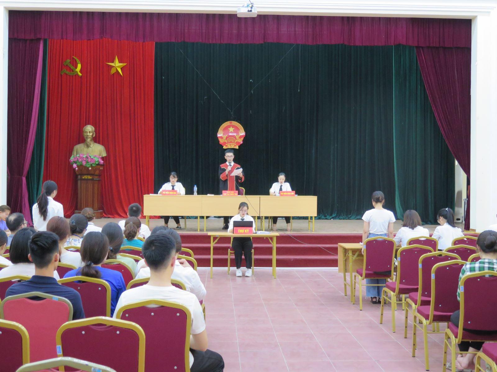 Khoa Luật, Học viện Phụ nữ Việt Nam - Đào tạo lý thuyết gắn với thực hành