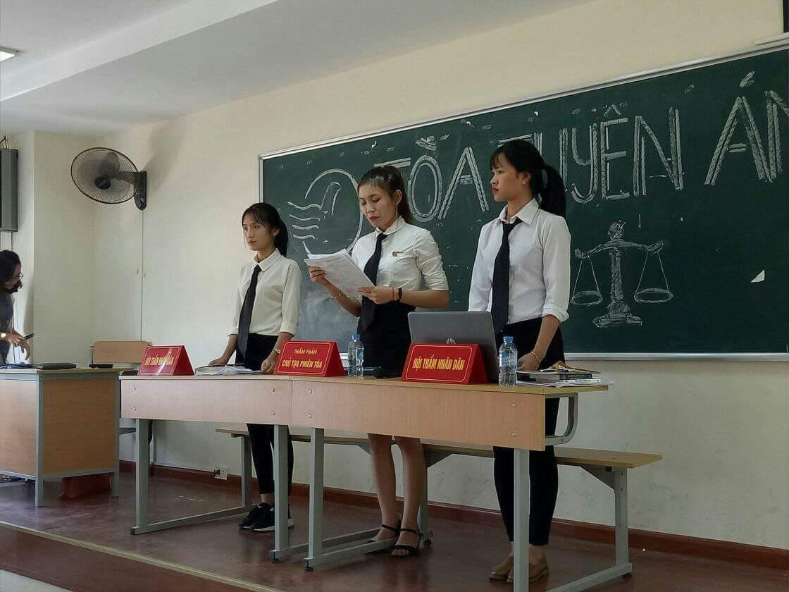 Ngành Luật Học viện Phụ nữ Việt Nam - Cơ hội việc làm rộng mở cho thế hệ 2K