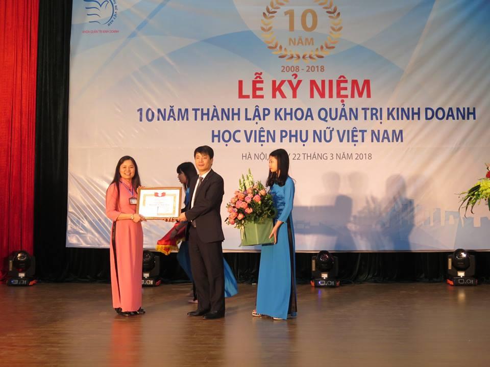 Lễ kỷ niệm 10 năm thành lập Khoa Quản trị kinh doanh