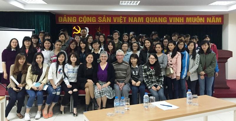 """Hội thảo """"Quan hệ lao động"""" dành cho sinh viên ngành QTKD"""