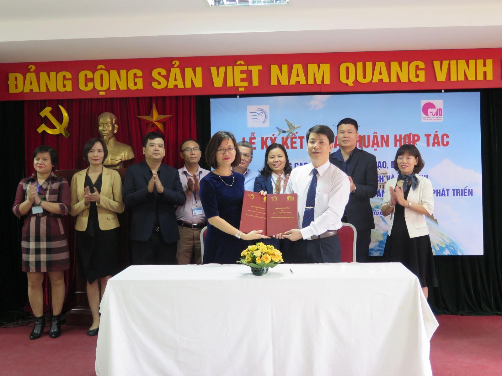 Học viện Phụ nữ Việt Nam ký kết thỏa thuận hợp tác và tri ân cộng đồng doanh nghiệp