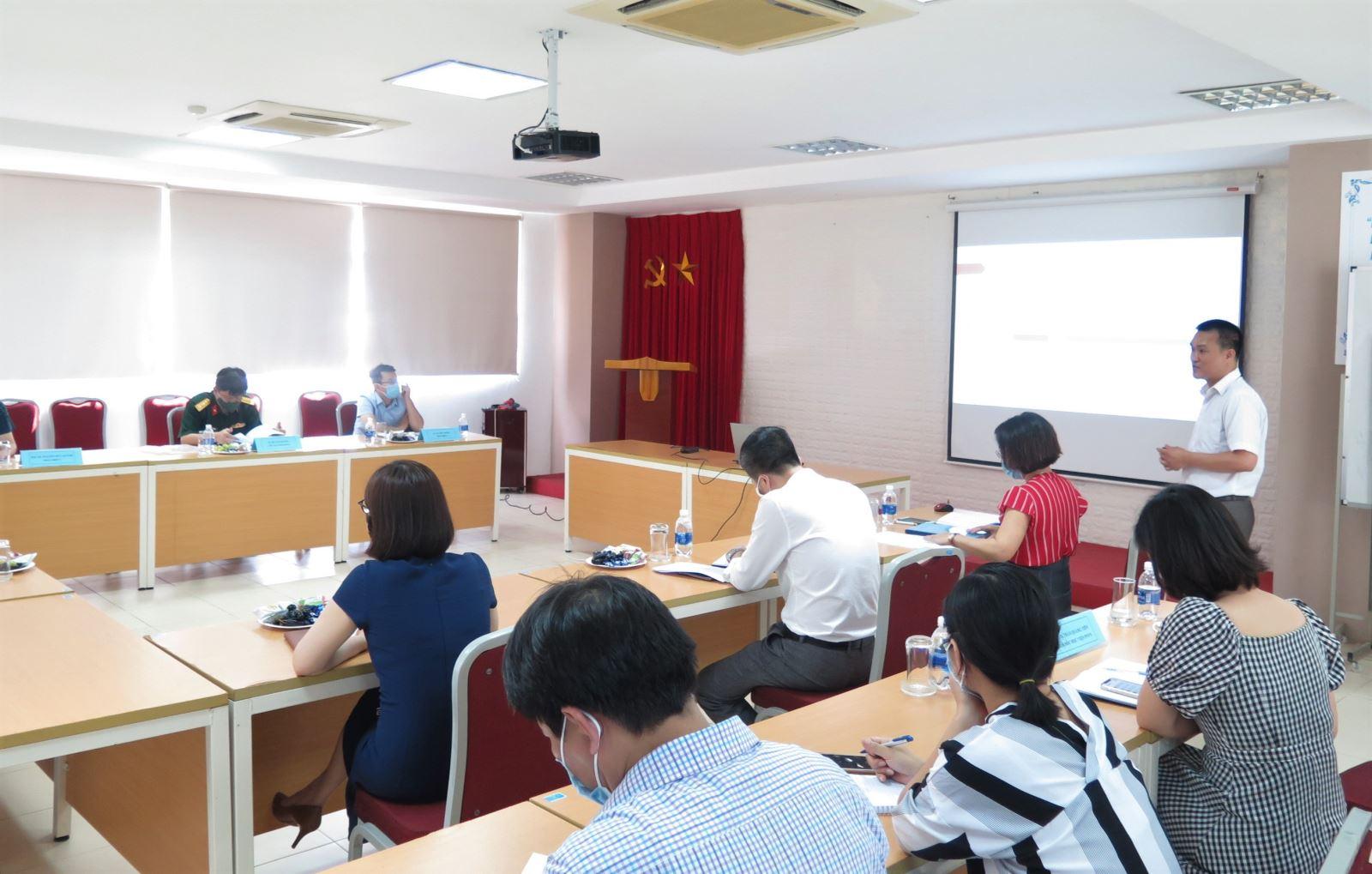 Thẩm định Chương trình đào tạo trình độ đại học ngành Công nghệ thông tin của Học viện Phụ nữ Việt Nam