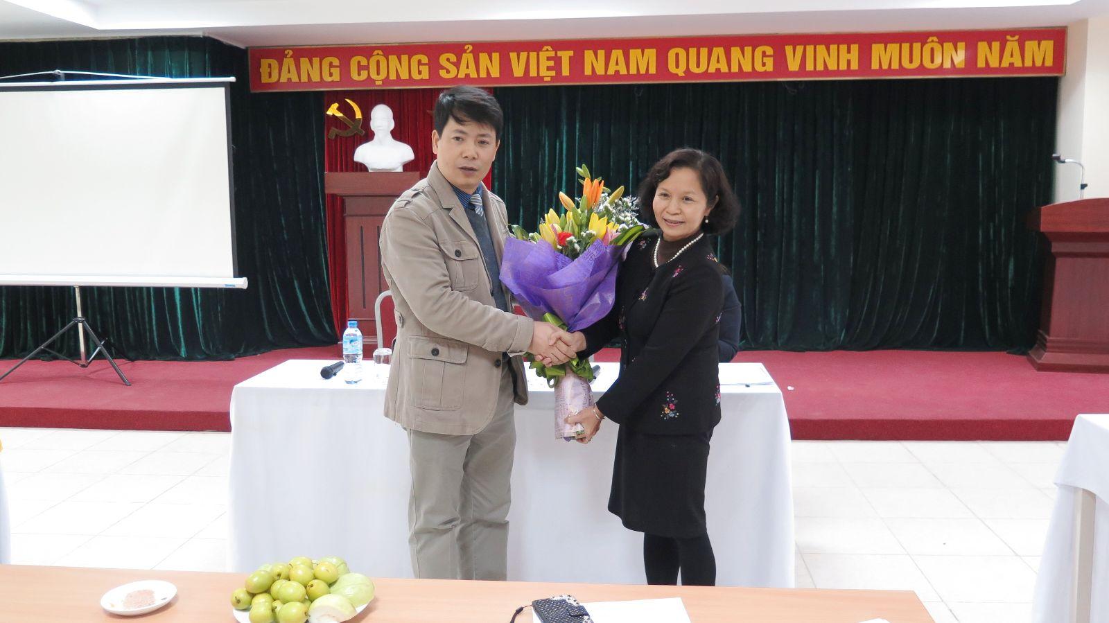 Học viện Phụ nữ Việt Nam tổ chức chia tay đồng chí Nguyễn Thị Kim Khánh