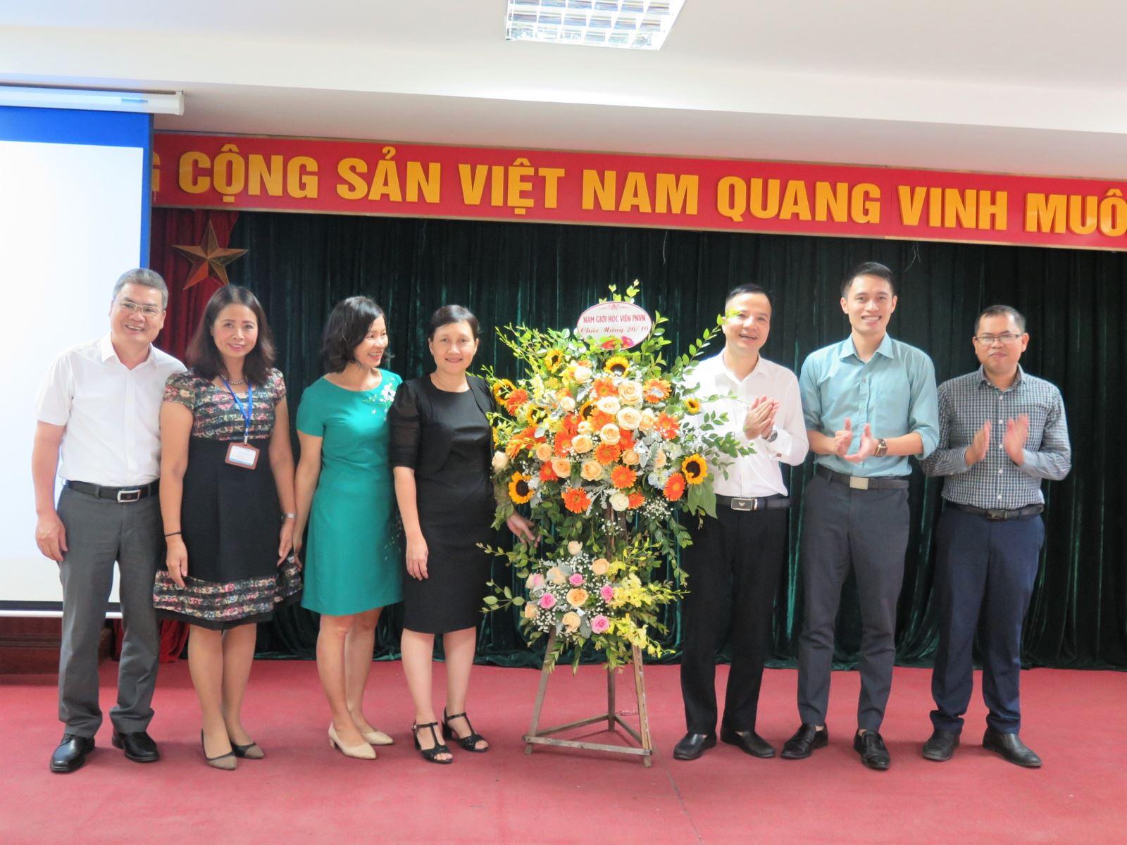 Học viện Phụ nữ Việt Nam chúc mừng ngày Phụ nữ Việt Nam 20/10