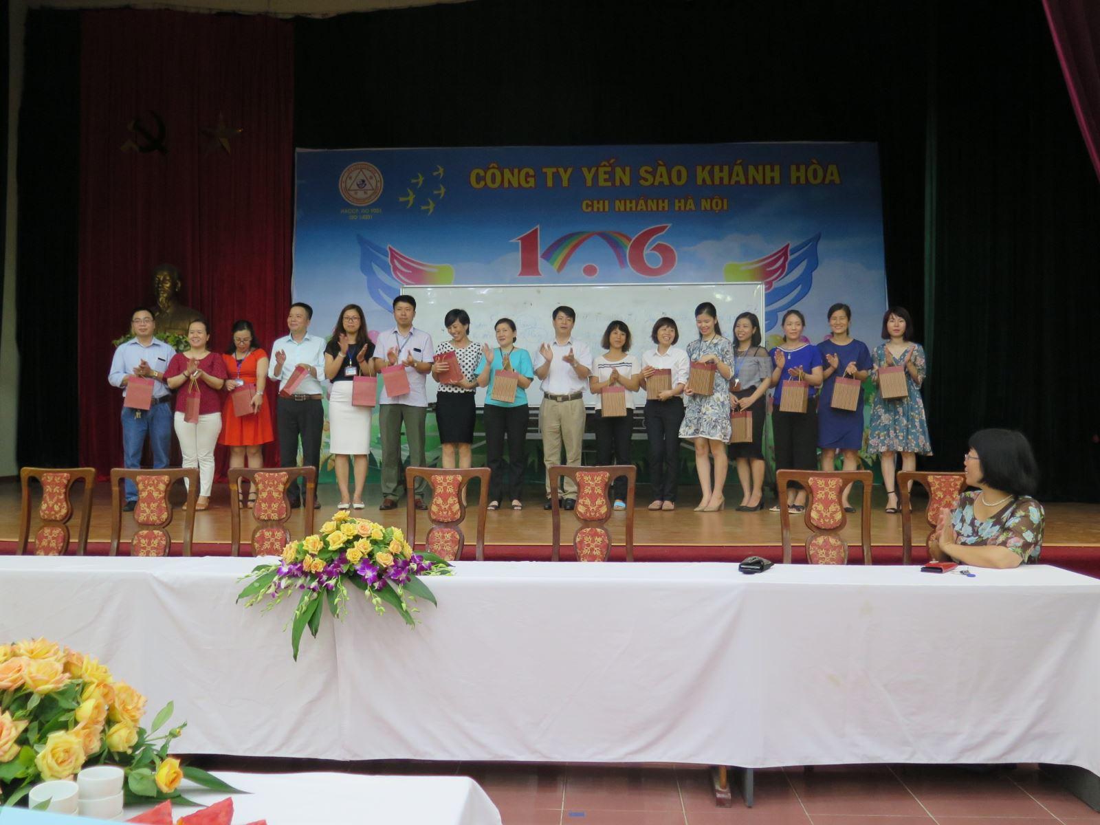 Công đoàn Học viện Phụ nữ Việt Nam tổ chức sinh hoạt chuyên đề nhân ngày Gia đình Việt Nam 28/6