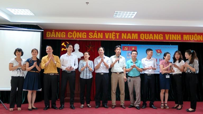 Công đoàn Học viện Phụ nữ Việt Nam chúc mừng sinh nhật công đoàn viên
