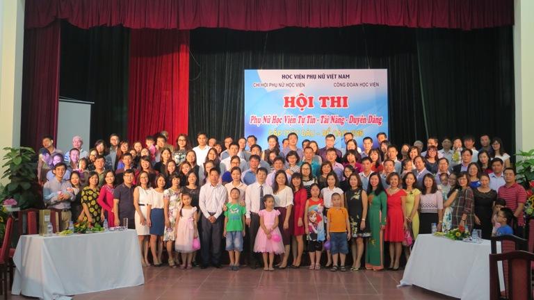 Niềm vui hội ngộ ngày Gặp mặt dâu rể Học viện Phụ nữ Việt Nam