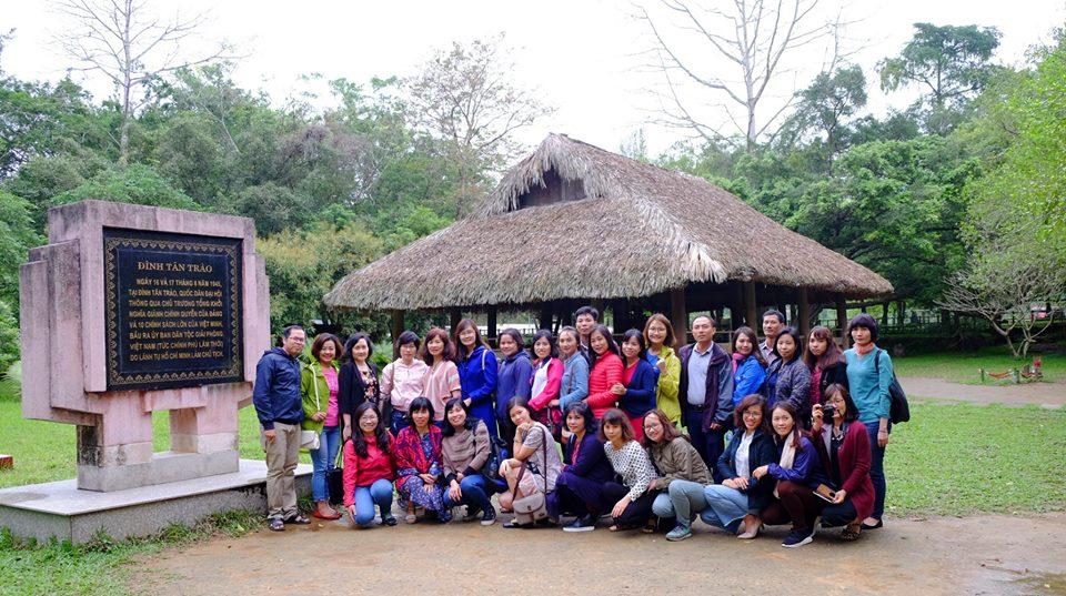 Chi bộ 1 và 4 Học viện Phụ nữ Việt Nam tổ chức hành trình về nguồn năm 2018
