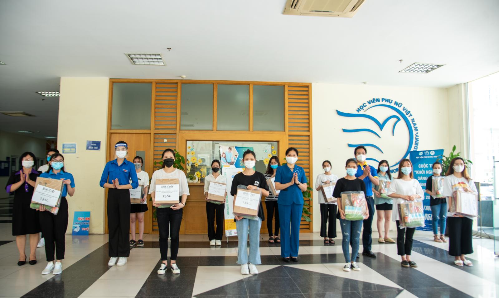 Tiếp sức sinh viên vượt qua đại dịch Covid - 19
