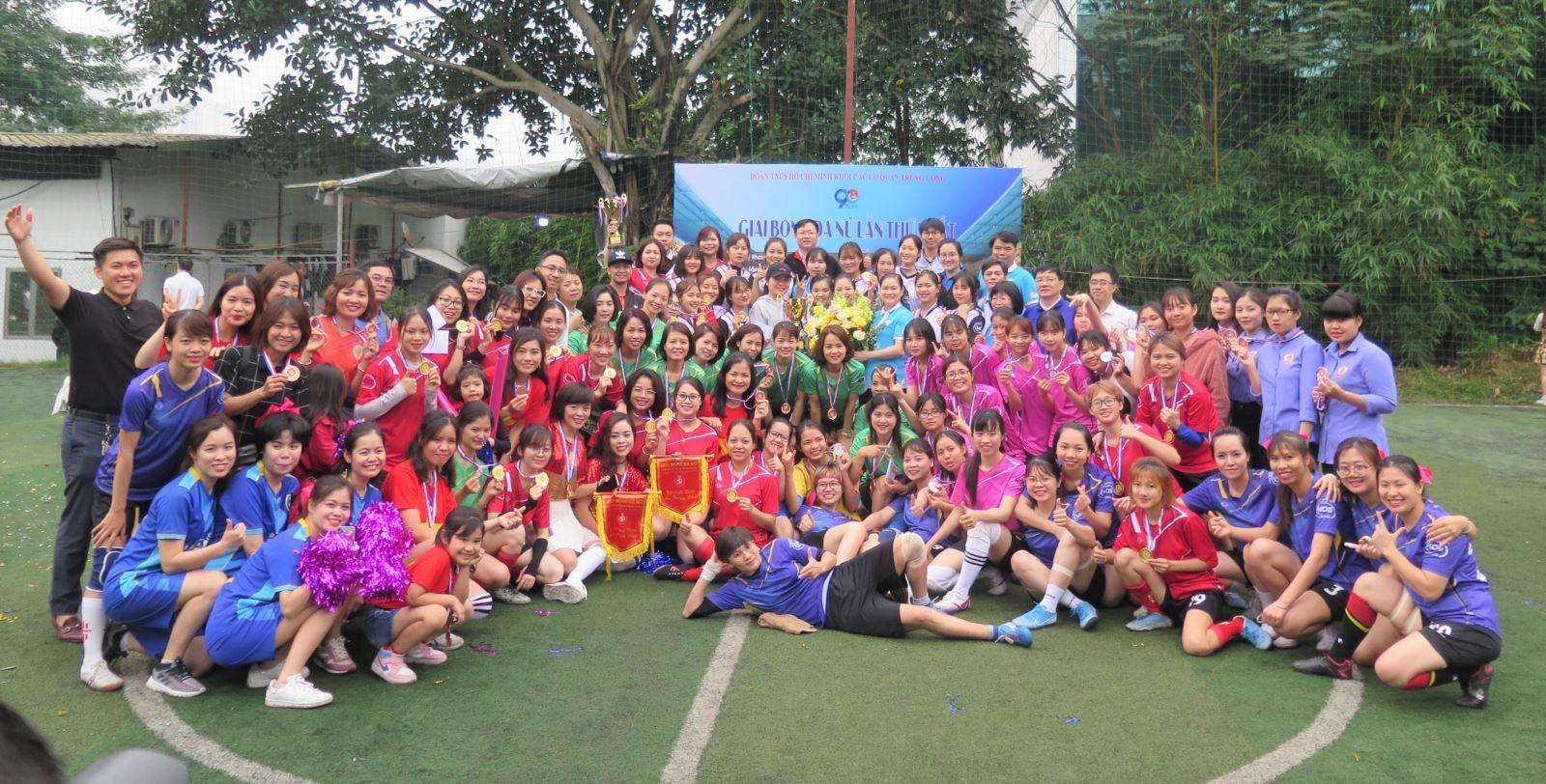 Phóng sự ảnh: Đội tuyển nữ Hội LHPN Việt Nam giành giải vô địch cúp Đoàn khối các cơ quan TW