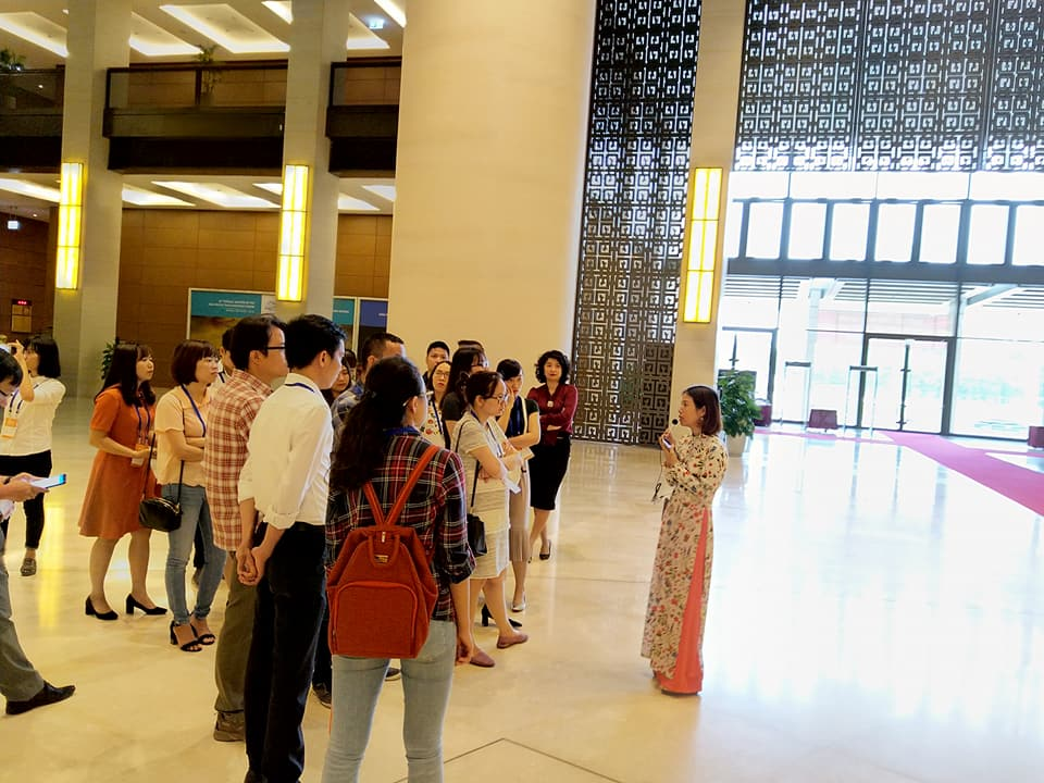 Chi đoàn Hành Chính tổ chức tham quan và học tập chính trị tại Tòa nhà Quốc hội Việt Nam