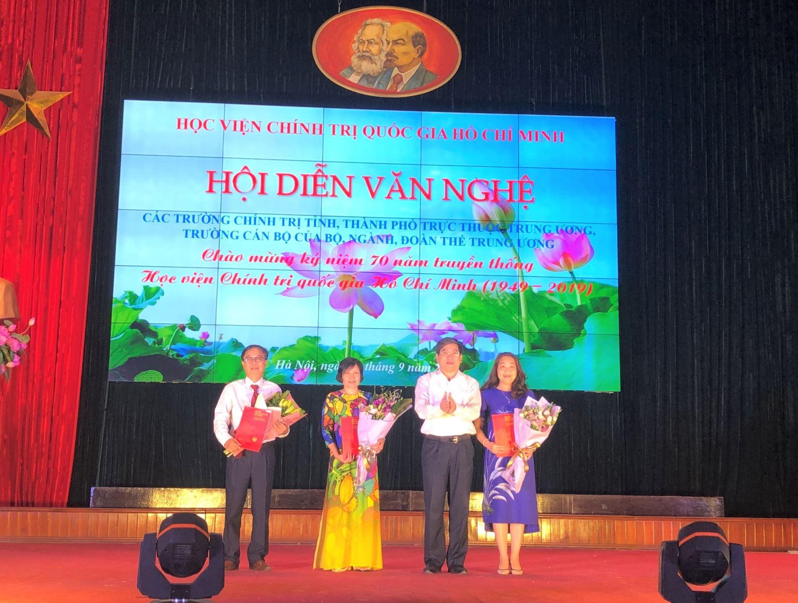 Đoàn Thanh niên Học viện đạt giải Ba tại hội diễn văn nghệ chào mừng 70 năm HV Chính trị Hành chính QG