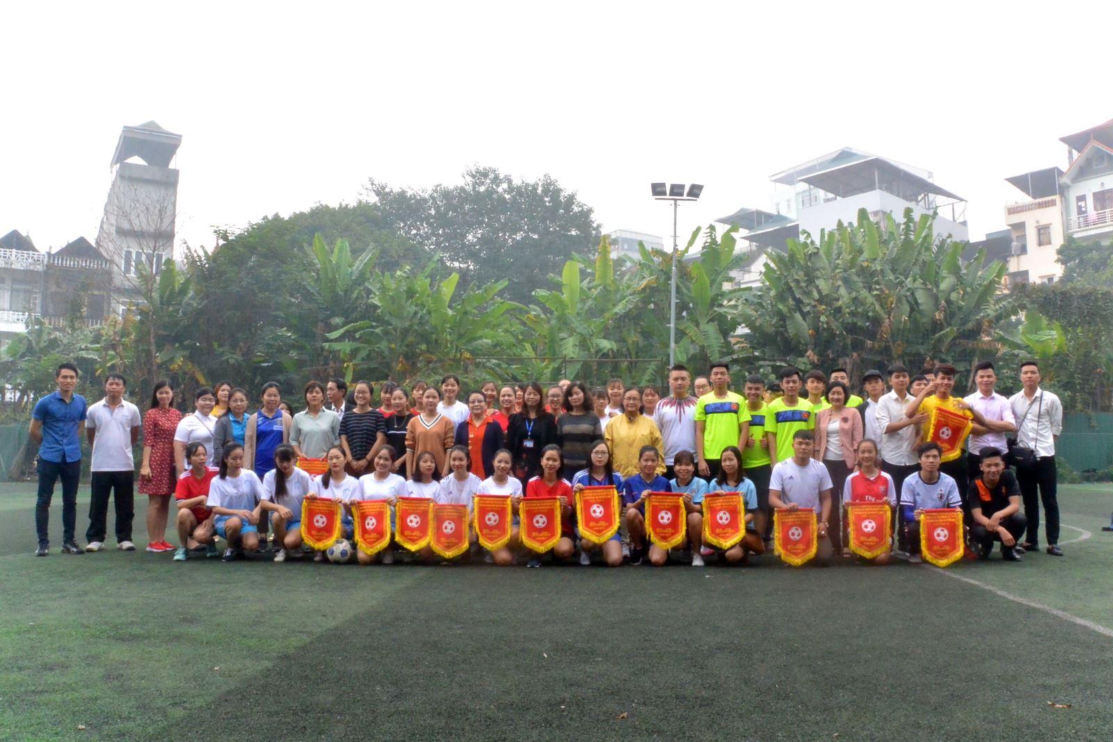 Học viện Phụ nữ Việt Nam Tổ chức giải bóng đá nam/ nữ sinh viên năm 2017