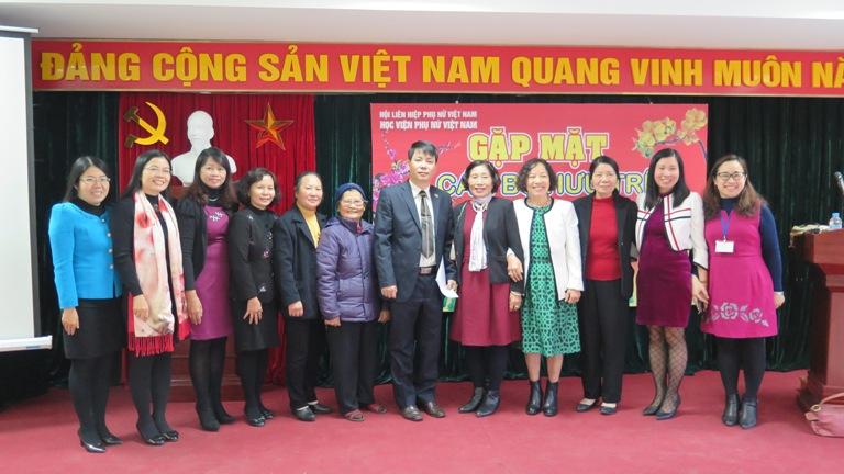 Học viện Phụ nữ Việt Nam tổ chức gặp mặt cán bộ hưu trí  nhân dịp Xuân Bính Thân 2016