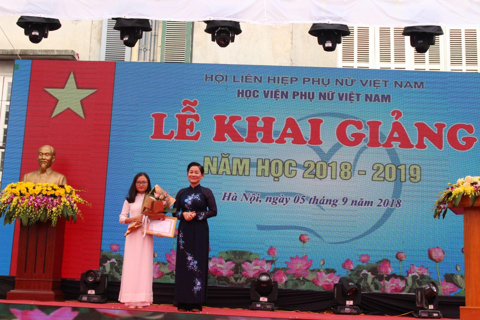 Học viện Phụ nữ Việt Nam tổ chức khai giảng năm học mới 2018 - 2019