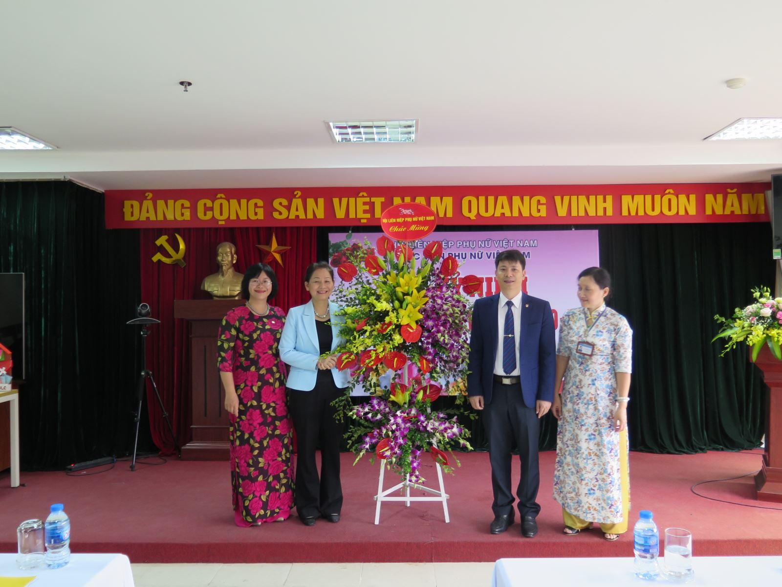 Phóng sự ảnh: Lễ kỷ niệm ngày Nhà giáo Việt Nam 20/11