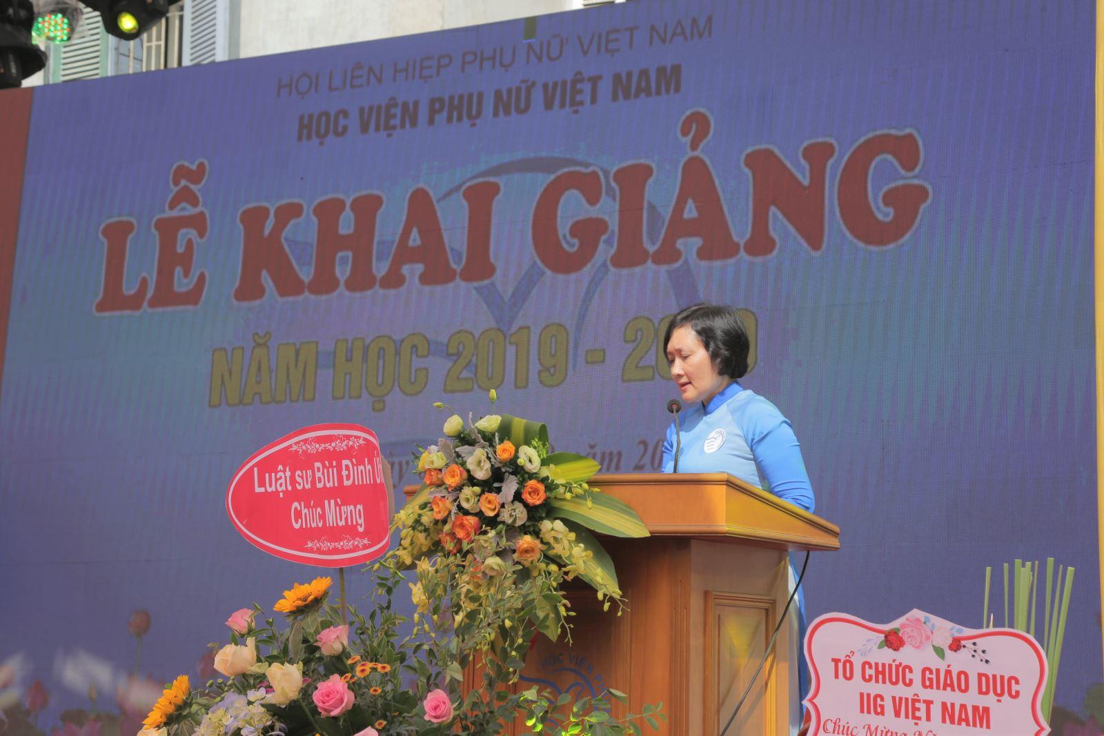 Học viện Phụ nữ Việt Nam tổ chức lễ khai giảng năm học 2019 – 2020 và trao bằng cử nhân cho sinh viên khóa III