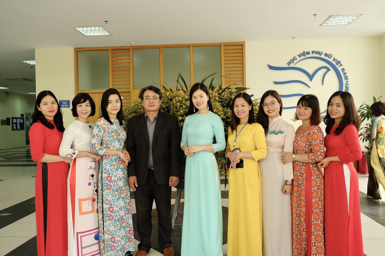 Cảm nhận về trang phục Áo dài Việt Nam