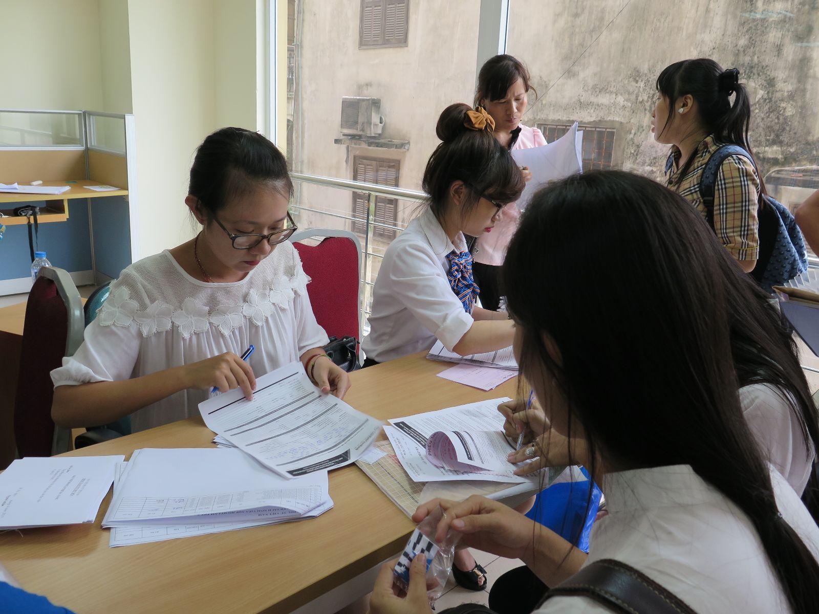 Học viện Phụ nữ Việt Nam đón tân sinh viên khóa 3
