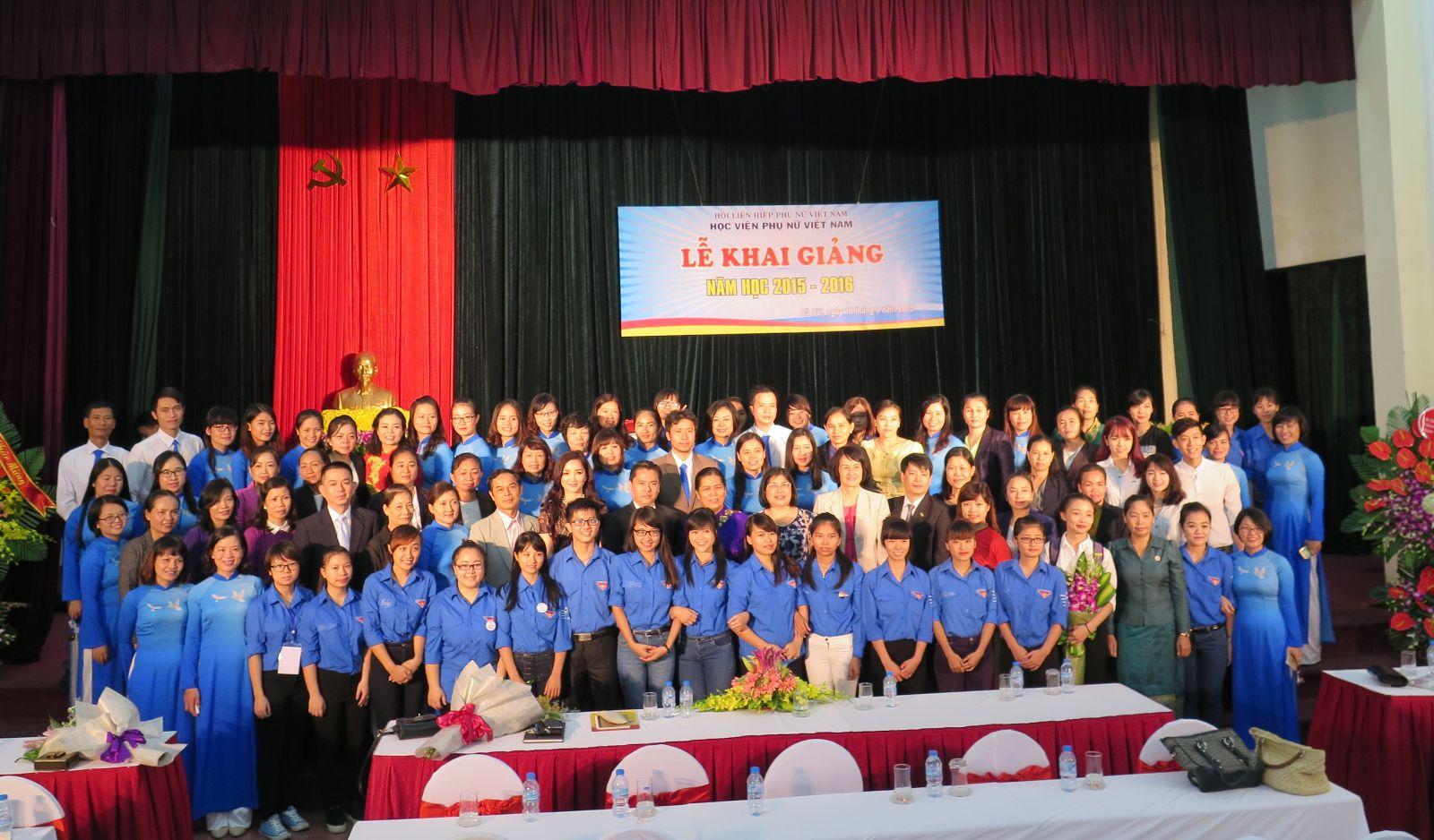 Giới thiệu hoạt động đào tạo cử nhân chính quy tại Học viện Phụ nữ Việt Nam