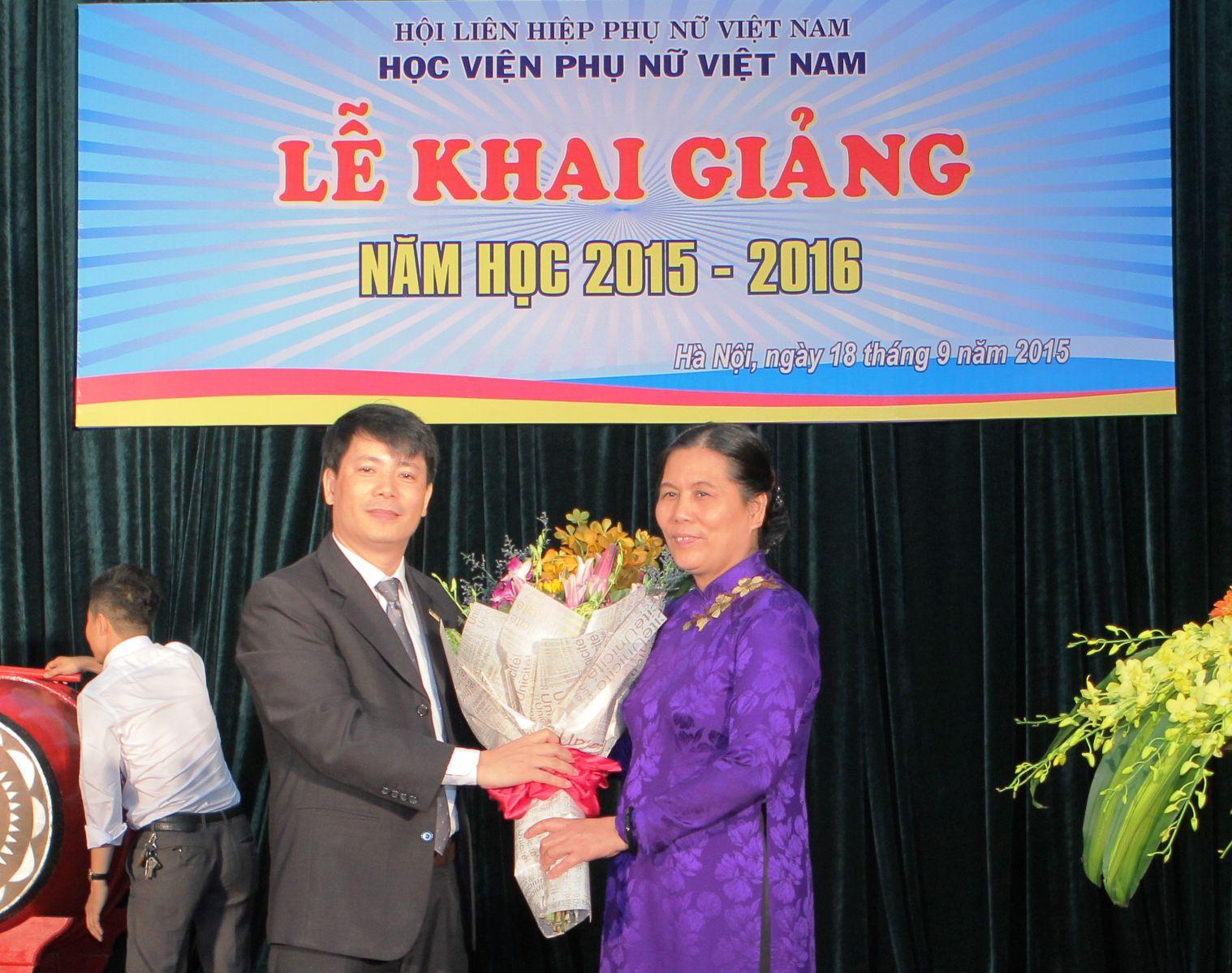 Học viện Phụ nữ Việt Nam tổ chức lễ khai giảng năm học 2015 - 2016